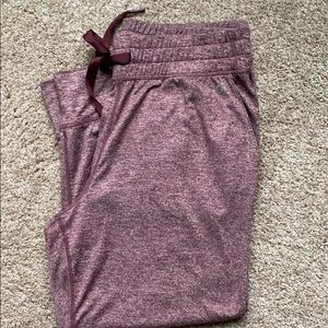 Gap fit jersey Capri pants